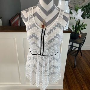 LC LAUREN CONRAD WHITE LACE TUNIC SIZE MEDIUM